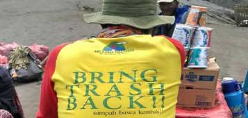 Art's Pala Volunteers slogan: Brng Trash Back - Mt. Bromo, East Java